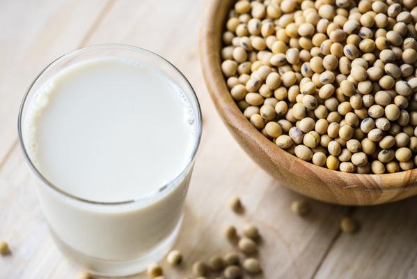 Soja pomaga obniÅźyć cholesterol [fot. rawpixel z Pixabay]