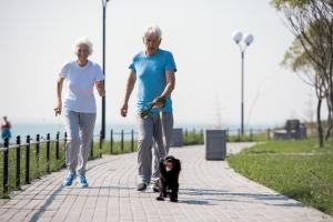 Spacer opóźni rozwój Alzheimera - trzeba chodzić 8 kilometrów tygodniowo [Fot. seventyfour - Fotolia.com]