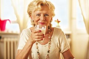 Sposób na zdrowe kości w starszym wieku - jogurt [© milicanistoran - Fotolia.com]