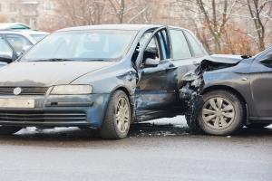 Sprawca wypadku nie ma OC. Jak uzyskać odszkodowanie?  [Fot. Kadmy - Fotolia.com]