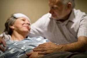 """Sprawujesz opiekę nad kimś starszym lub schorowanym? Oto lista rzeczy """"zabronionych"""" [© CandyBox Images - Fotolia.com]"""