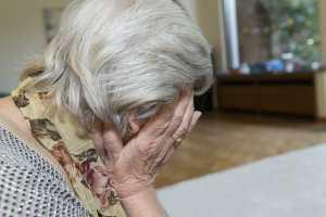 Starsi ludzie częściej ujawiają myśli samobójcze  [Fot. GordonGrand - Fotolia.com]