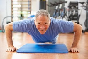 Starsi mężczyźni, którzy ćwiczą, rzadziej mają zaburzenia erekcji [© Monkey Business - Fotolia.com]