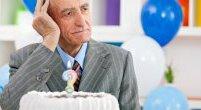 Starzenie się czy Alzheimer? Jakie objawy powinny niepokoić?
