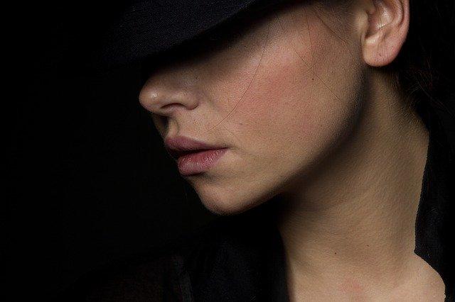 Starzenie się twarzy - to coś więcej niż zmarszczki [fot. engin akyurt from Pixabay]