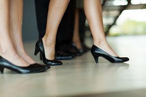 Stojąca praca równie szkodliwa jak siedząca [© michaeljung - Fotolia.com]