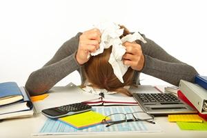 Stres w pracy prowadzi do chorób psychicznych [© Petrik - Fotolia.com]