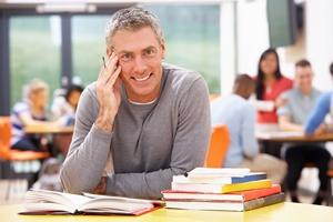Studia po czterdziestce? Uczelnie zapraszają studentów 40+ [© micromonkey - Fotolia.com]