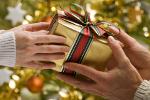 Świąteczne akcje charytatywne - pomysł na wyjątkowy prezent [© Dušan Zidar - Fotolia.com]