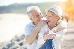 Szczęśliwi seniorzy żyją dłużej [Fot. goodluz - Fotolia.com]