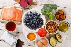 Tak poprawisz mo�liwo�ci swojego umys�u - 6 dietetycznych sposob�w [© bit24 - Fotolia.com]