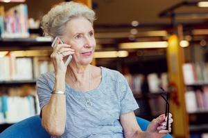 """""""Tanie rozmowy telefoniczne"""" - uwaga na super okazje [© Sergey Nivens - Fotolia.com]"""