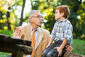 Tego nigdy nie mów swojemu wnukowi! 5 przykładów destrukcyjnych rozmów  [© djoronimo - Fotolia.com]