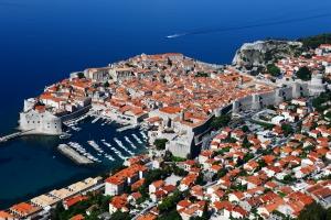 Tegoroczne wakacje: dłużej i drożej w drodze do Chorwacji  [Fot. monticellllo - Fotolia.com]