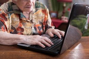 Test komputerowy pomo�e przewidzie� demencj� [© thodonal - Fotolia.com]