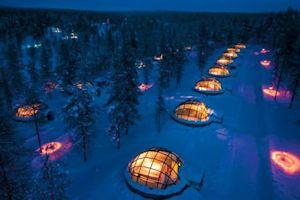 Top 10: najdziwniejsze hotele świata [fot. Kakslauttanen Igloo Village, Finlandia]