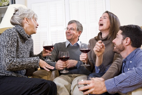 Towarzystwo innych ludzi jest dobre dla starzejącego się mózgu [© Kablonk Micro - Fotolia.com]