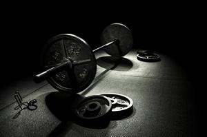 Trening siłowy kluczem do walki z otyłością brzuszną [© markomarko40 - Fotolia.com]