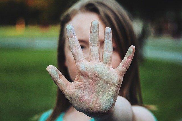 Trudne relacje z rodziną niszczą zdrowie  [fot.  Foundry Co from Pixabay]