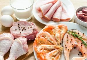 Trudno ci schudnąć? Być może w twojej diecie brakuje białka [© alex9500 - Fotolia.com]