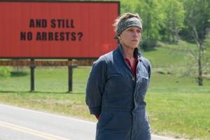 """""""Trzy billboardy za Ebbing, Missouri"""": Pięć nagród BAFTA dla dramatu [fot. Trzy billboardy za Ebbing, Missouri]"""