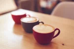 Trzy filiżanki kawy dziennie zapewnią zdrowe serce i dłuższe życie [Fot. Rostislav Sedlacek - Fotolia.com]