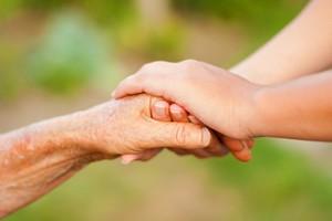 Trzymanie czyjejś dłoni zmniejsza ból [© Sandor Kacso - Fotolia.com]