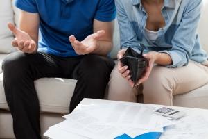Ukrywasz wydatki? To najkrótsza droga do kryzysu w małżeństwie [Fot. Photographee.eu - Fotolia.com]
