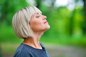 Umieść te produkty w diecie.  Twoje włosy będą zdrowe i lśniące [© bertys30 - Fotolia.com]
