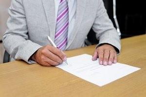 Umowy-zlecenia. Nowe przepisy weszły w życie - zobacz co się zmieniło [FILM] [© Gianluca Rasile - Fotolia.com]
