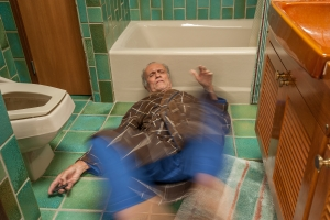 Upadki osób starszych w Polsce: poważny problem zdrowotny  [Fot. Christian Delbert - Fotolia.com]