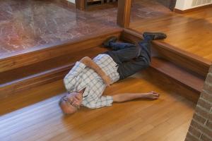 Upadki: szósta przyczyna śmiertelności wśród osób starszych [Fot. Christian Delbert - Fotolia.com]