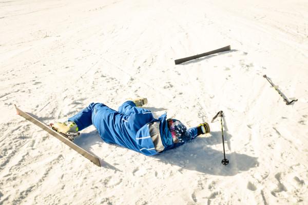 Urazy na stoku - jak przygotować się do sportów zimowych? [Fot. Mirko - Fotolia.com]