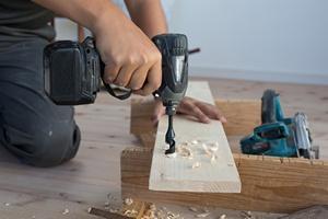 Urlop. Dla Polak�w to dobra pora na remont [© ucchie79 - Fotolia.com]