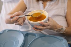 Uwaga! Szpitalne jedzenie może szkodzić [Fot. www.karrastock.com - Fotolia.com]
