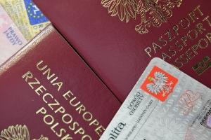 W wakacje łatwiej o kradzież tożsamości [Fot. Pio Si - Fotolia.com]