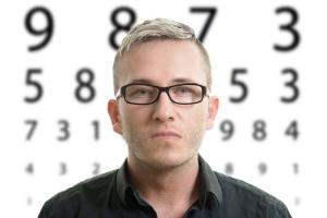 Wady wzroku: astygmatyzm [Fot. Jamrooferpix - Fotolia.com]
