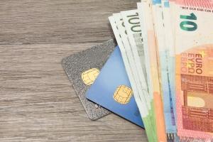Wakacje: gotówka i karty za granicą [Fot. stadtratte - Fotolia.com]