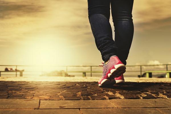 Warto ćwiczyć! Regularna aktywność fizyczna wydłuża życie  [fot. Daniel Reche z Pixabay]