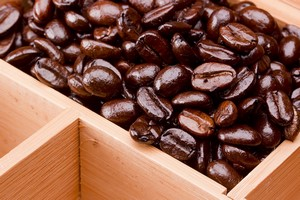 Warto pić kawę pomimo szkody dla koloru zębów? [© VIPDesign - Fotolia.com]