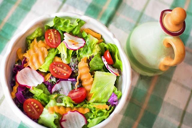 Warzywa pomagają starszym kobietom zachować zdrowe tętnice [fot. Jill Wellington from Pixabay]