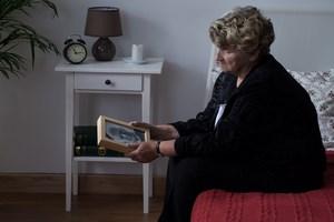 Wdowie�stwo nie skraca �ycia. Przynajmniej w przypadku kobiet [© Photographee.eu - Fotolia.com]