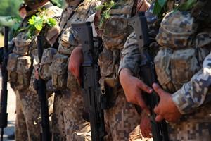 Więcej pieniędzy na wojsko [© sociopat_empat - Fotolia.com]