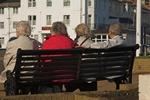 Wolny czas emeryta: telewizja, ko�ci� oraz podr�e i internet [© Chrissie Shepherd - Fotolia.com]