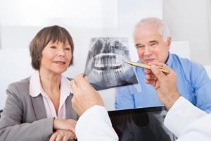 Wrocław: bezpłatny dentysta dla seniorów [©  Andrey Popov - Fotolia.com]