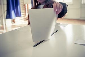 Wybory prezydenckie 2015 - frekwencja w II turze do godziny 17 [© bizoo_n - Fotolia.com]