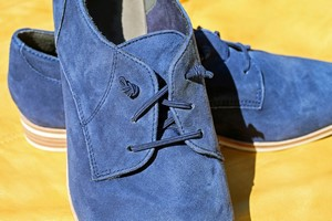 Wygodne buty dla starszych ludzi - niebagatelna sprawa, bo podnosi jakość życia [fot. Coleur / Pixabay, PD]