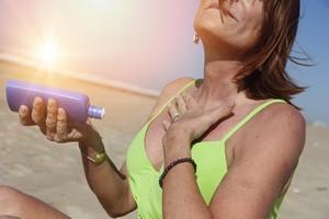 Wyjeżdżasz na święta do ciepłych krajów? Nie zapomnij o ochronie przeciwsłonecznej [opalanie, © oigro - Fotolia.com]