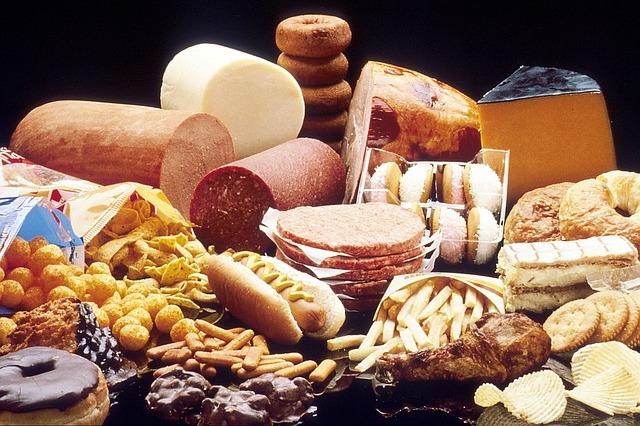 Wysokotłuszczowa dieta zachodnia prowadzi do przewlekłego bólu [fot. Welcome to all and thank you for your visit ! ツ from Pixabay]