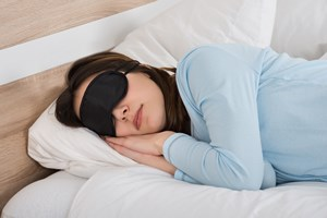 Wysypiaj si�. Brak snu obni�a poziom dobrego cholesterolu [©  Andrey Popov - Fotolia.com]